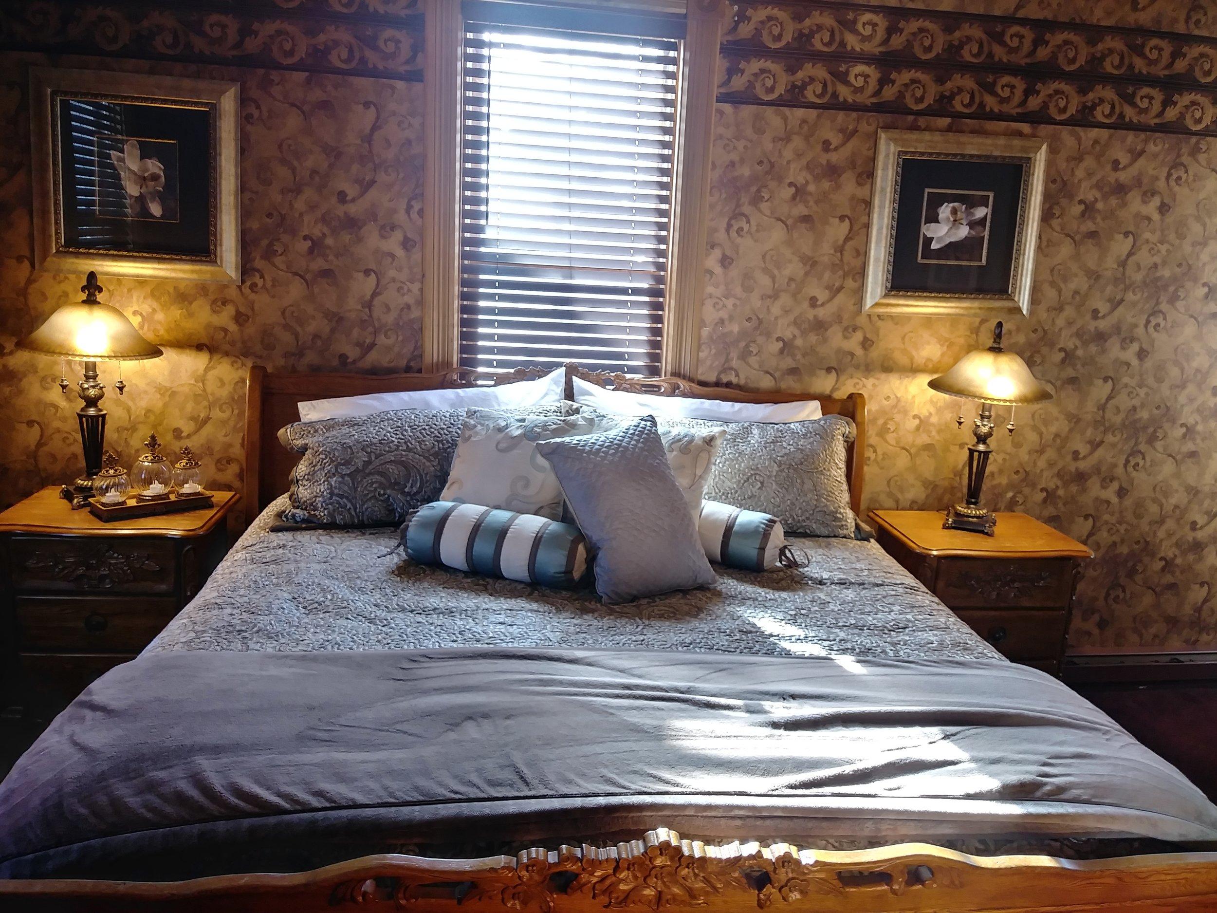 Room 201 03.jpg