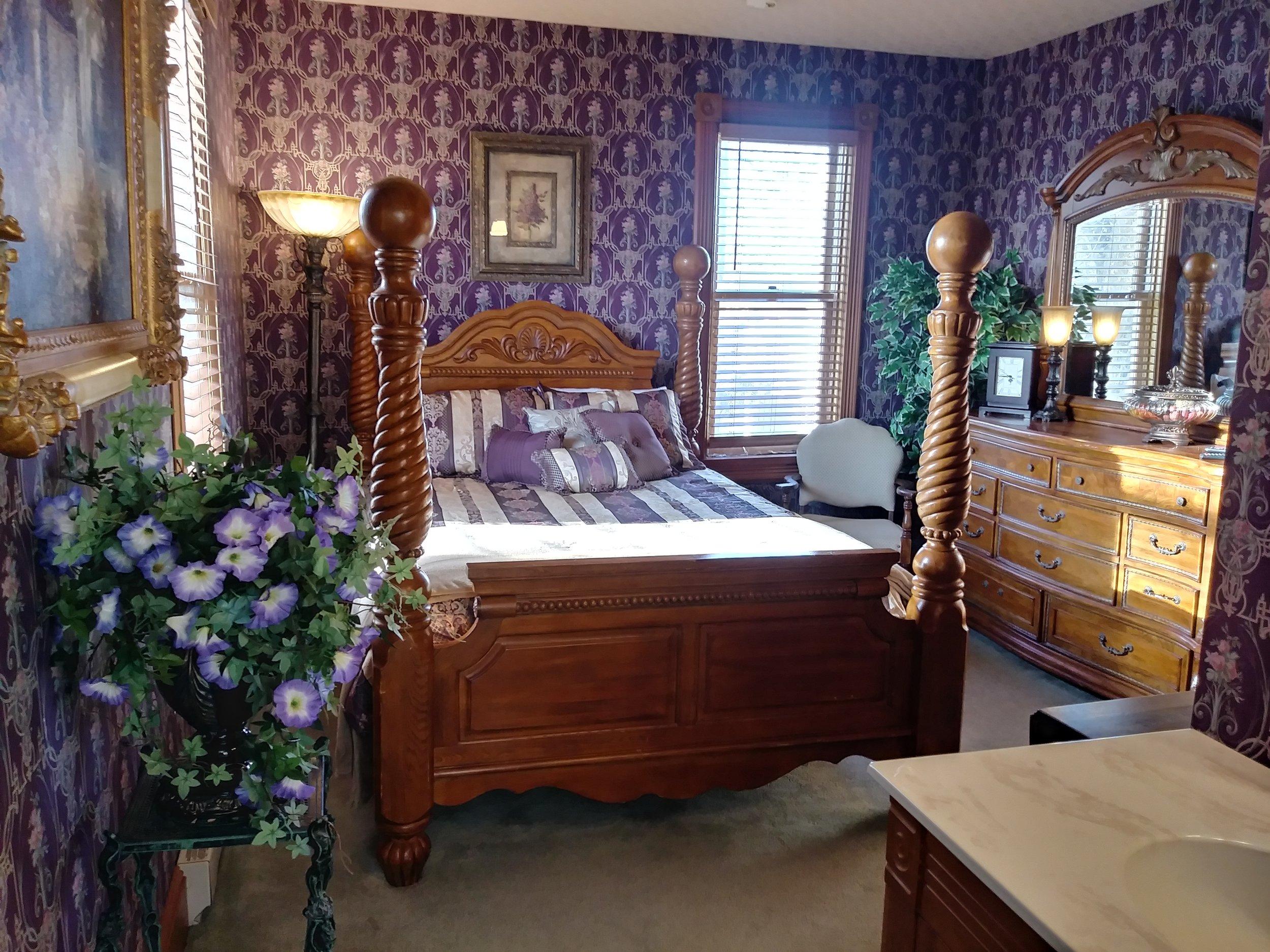 Room 203 01.jpg