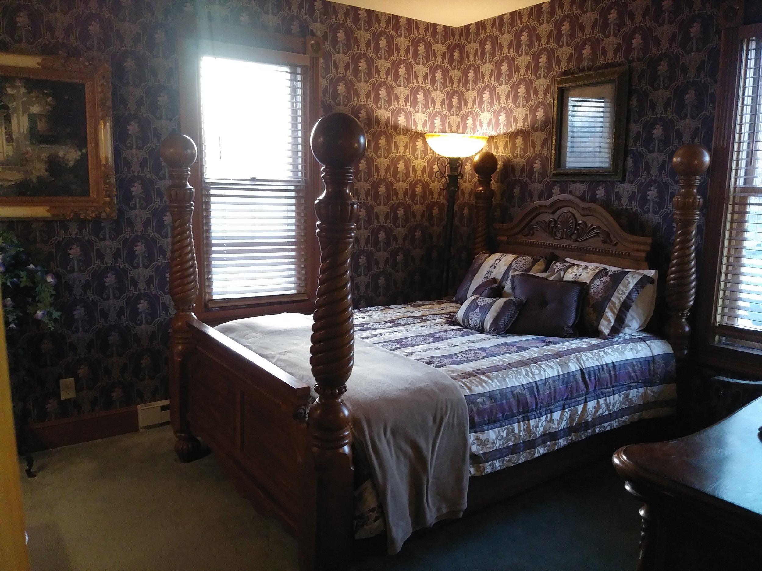 Room 203 05.jpg