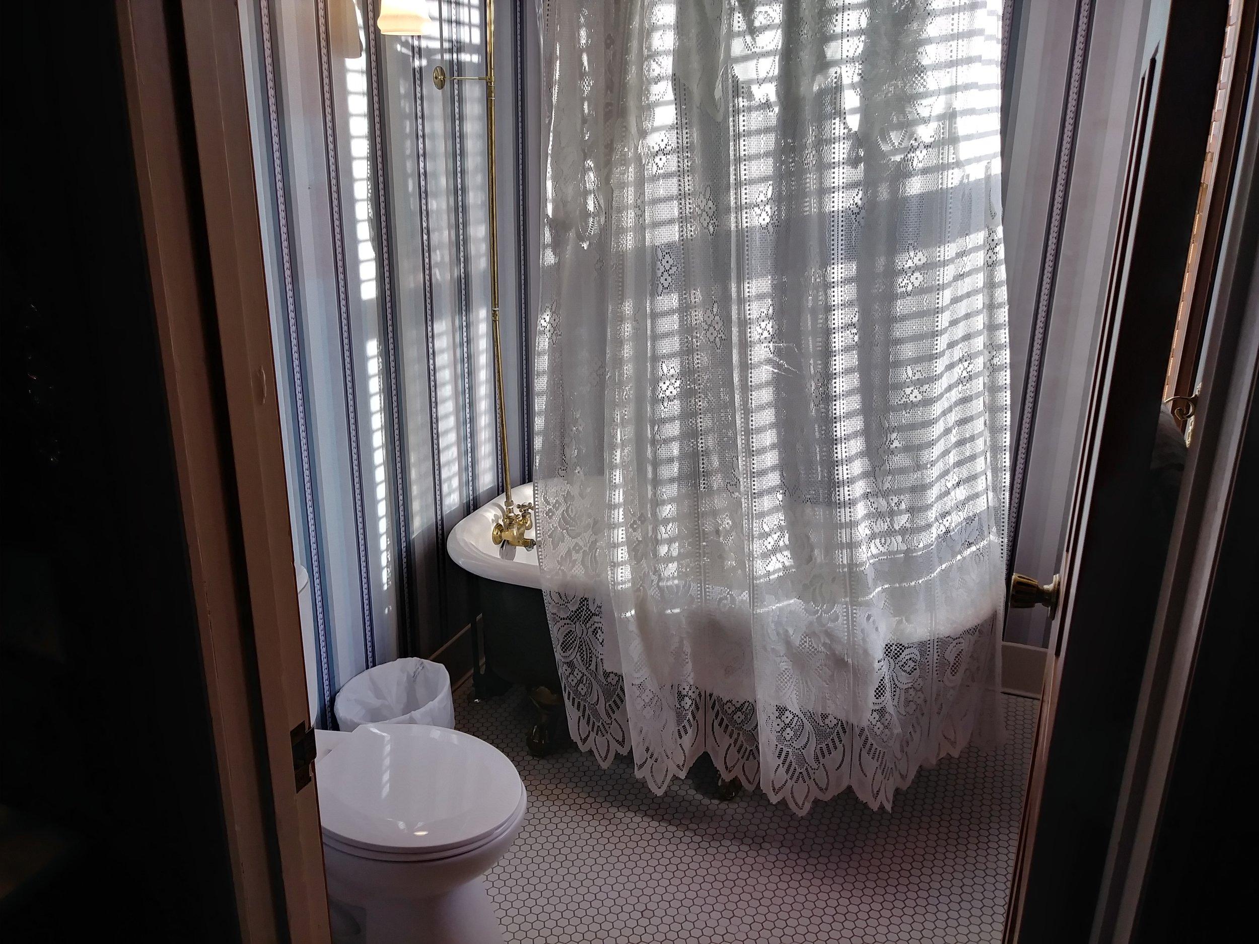 Room 203 21.jpg