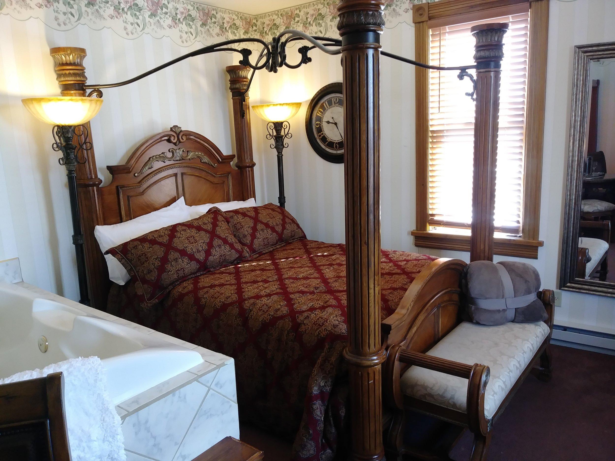 Room 204 01.jpg