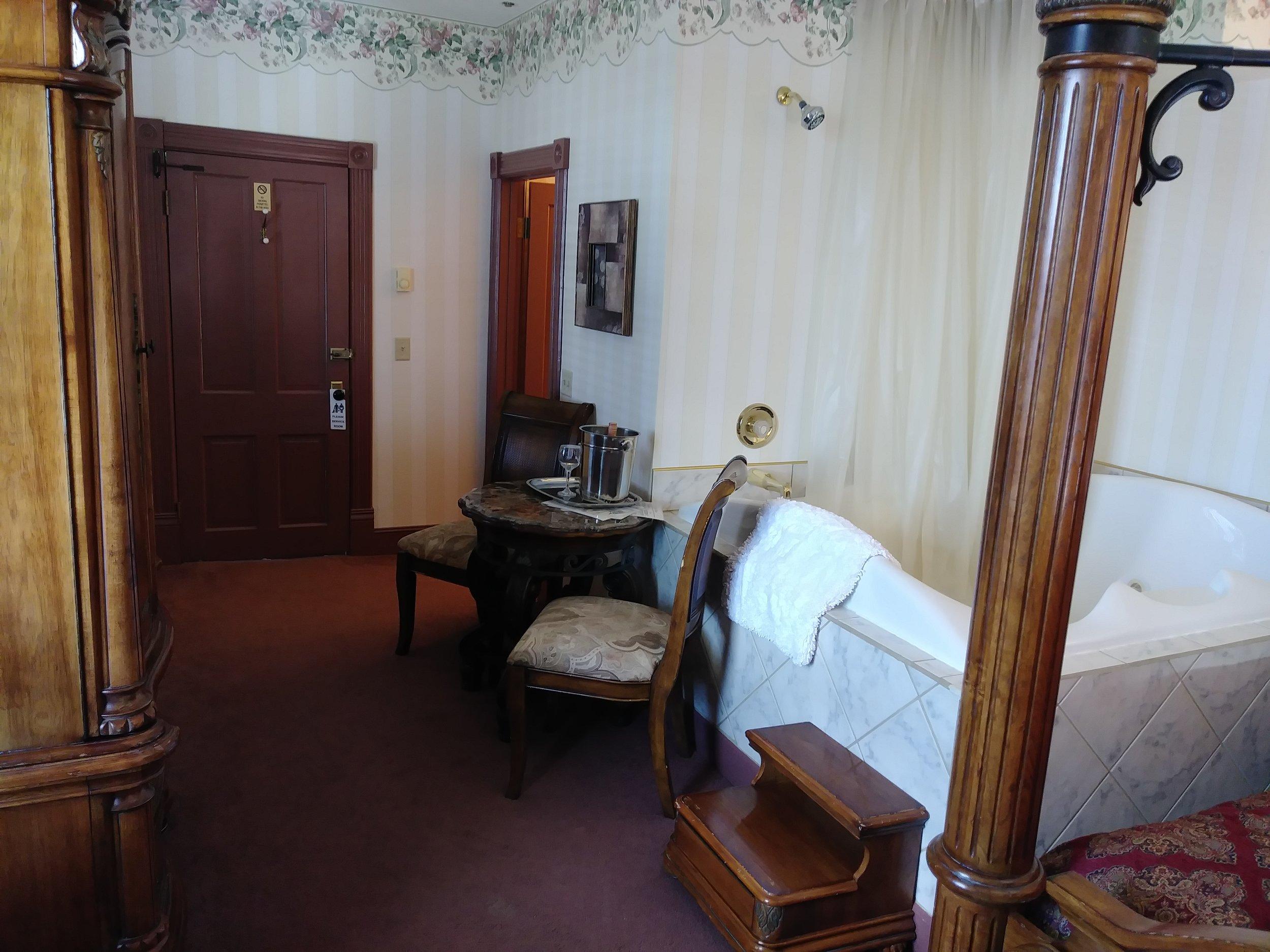 Room 204 11.jpg