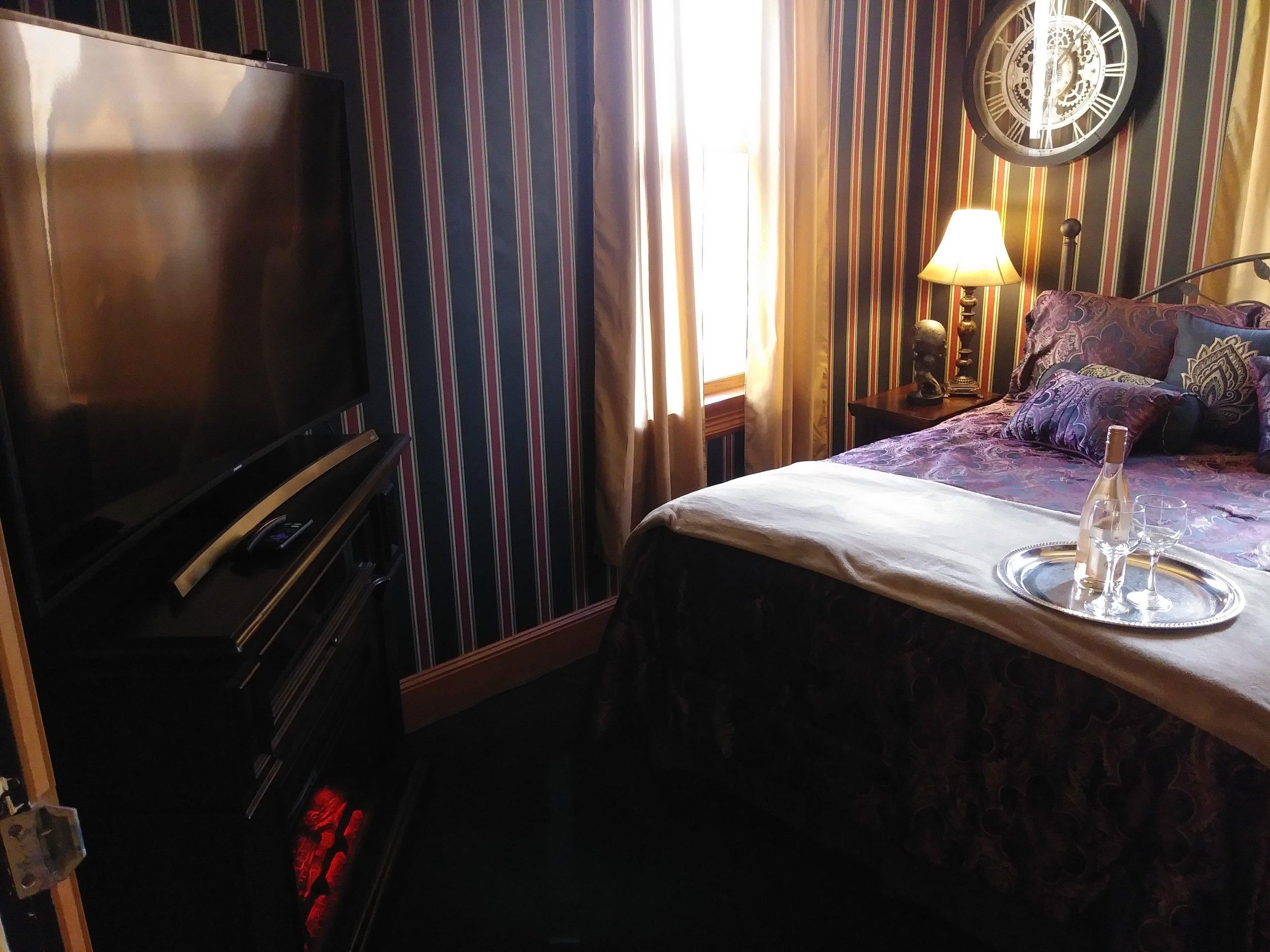 Room 207 06.jpg