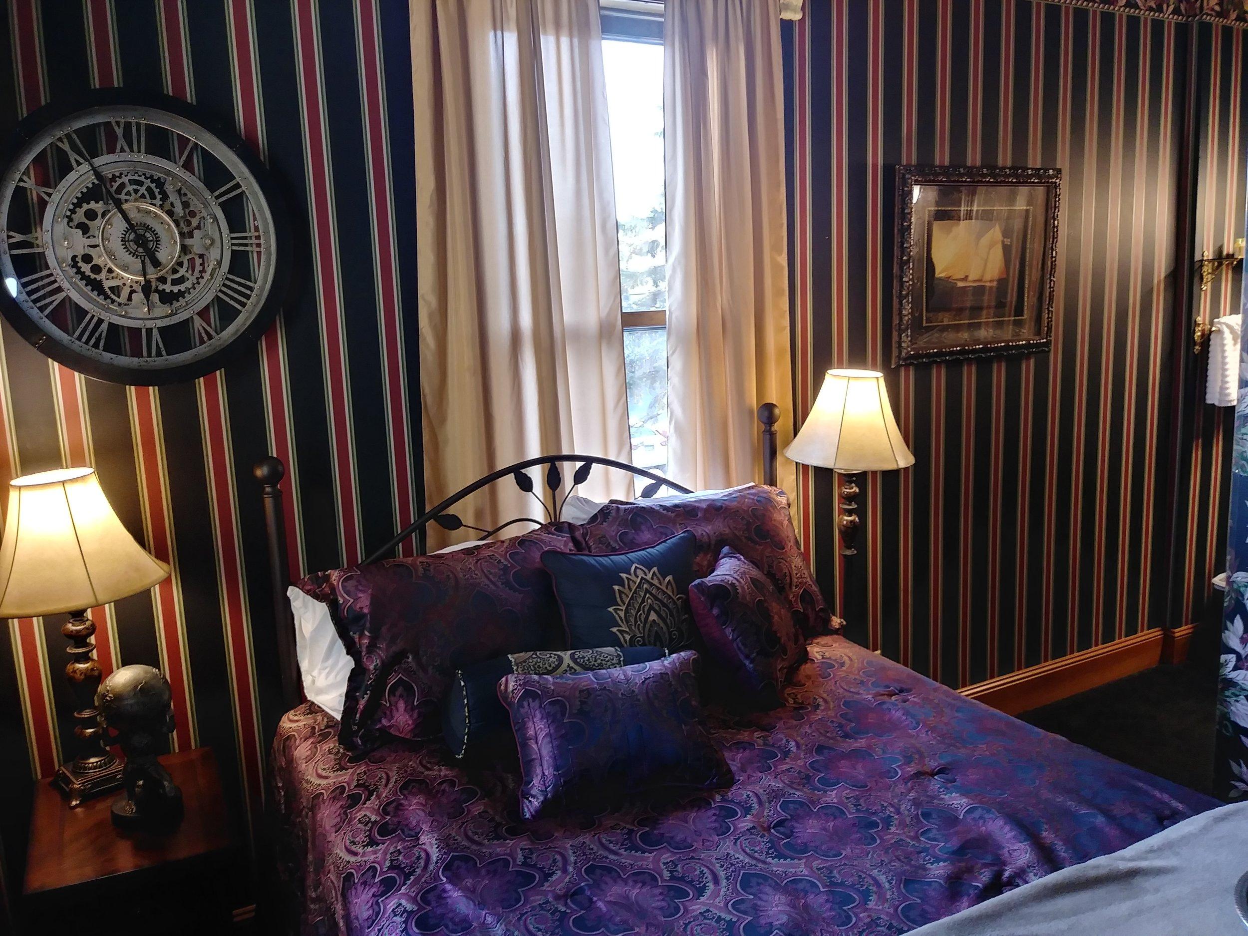 Room 207 09.jpg