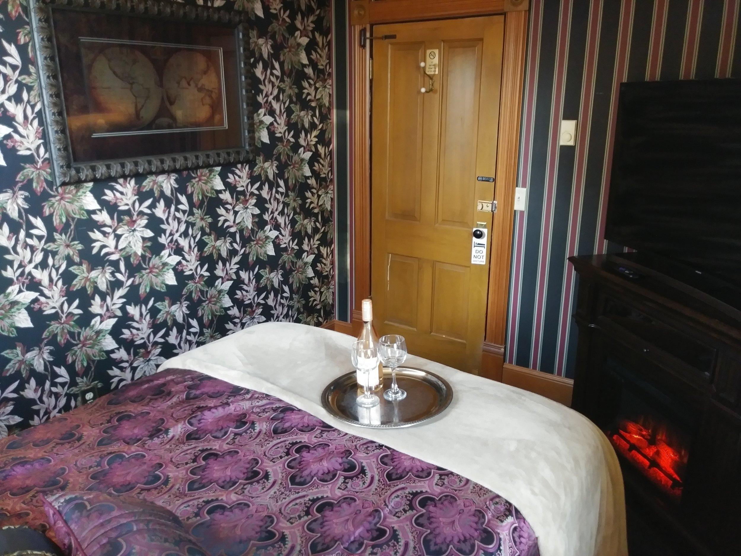 Room 207 13.jpg