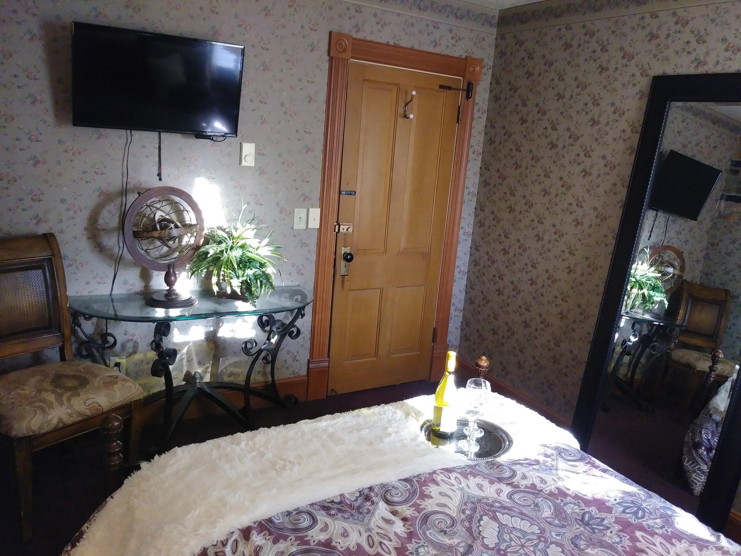 Room 306 16.jpg