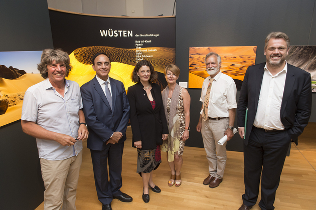 Michael Martin, photographer and author, Dr. Pradeep Monga, Deputy Executive Secretary of the UNCCD (United Nations Convention to Combat Desertification), Maria Kappel, Dr. Anneke Trux, Society for International Cooperation GIZ, Prof. dr. Wägele, Director of the Museum Koenig, Dr. Ing. Lorenz Petersen, GIZ in the exhibition (left to right) in the exhibition.  Photo: Barbara Frommann, © GIZ