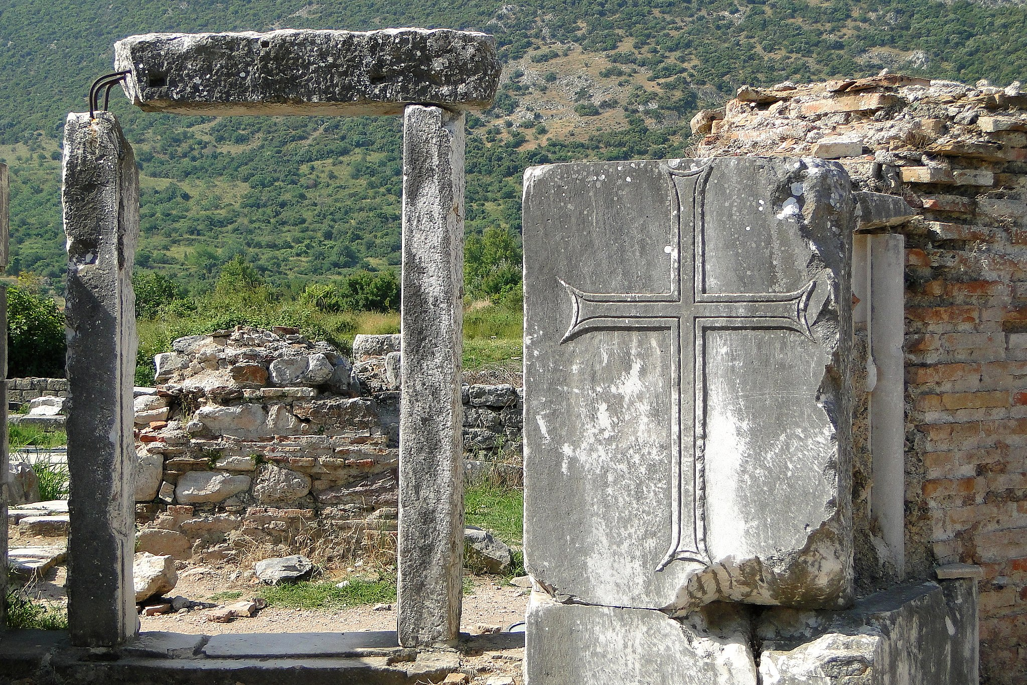 Ruins of the Church of the Theotokos, site of the Council of Ephesus, by Adam Jones from Kelowna, BC, Canada [CC BY-SA 2.0 (https://creativecommons.org/licenses/by-sa/2.0)], via Wikimedia Commons