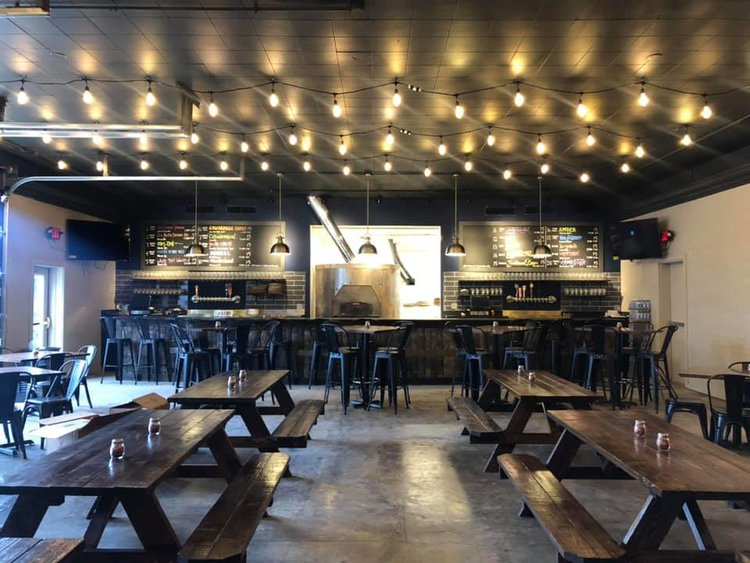Rolling Oven Taproom & Pizza - Pizza, Sandwiches, and a rotating selection of tap beers!http://rollingoven.com/versailles