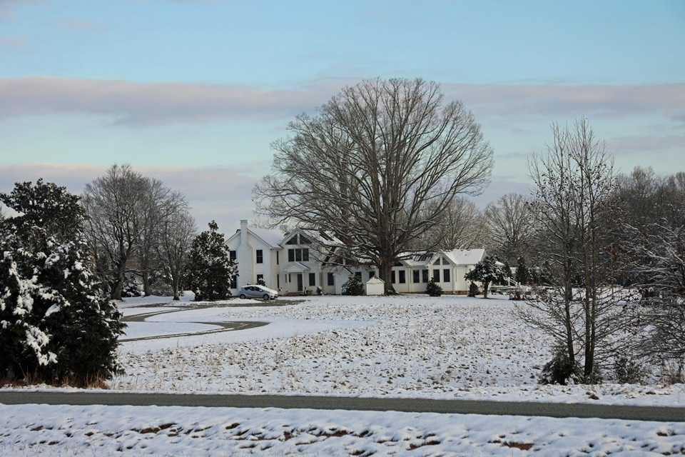villa-snow.jpg