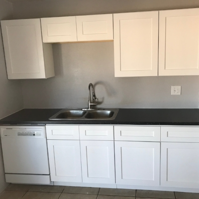 Cabinets installed!