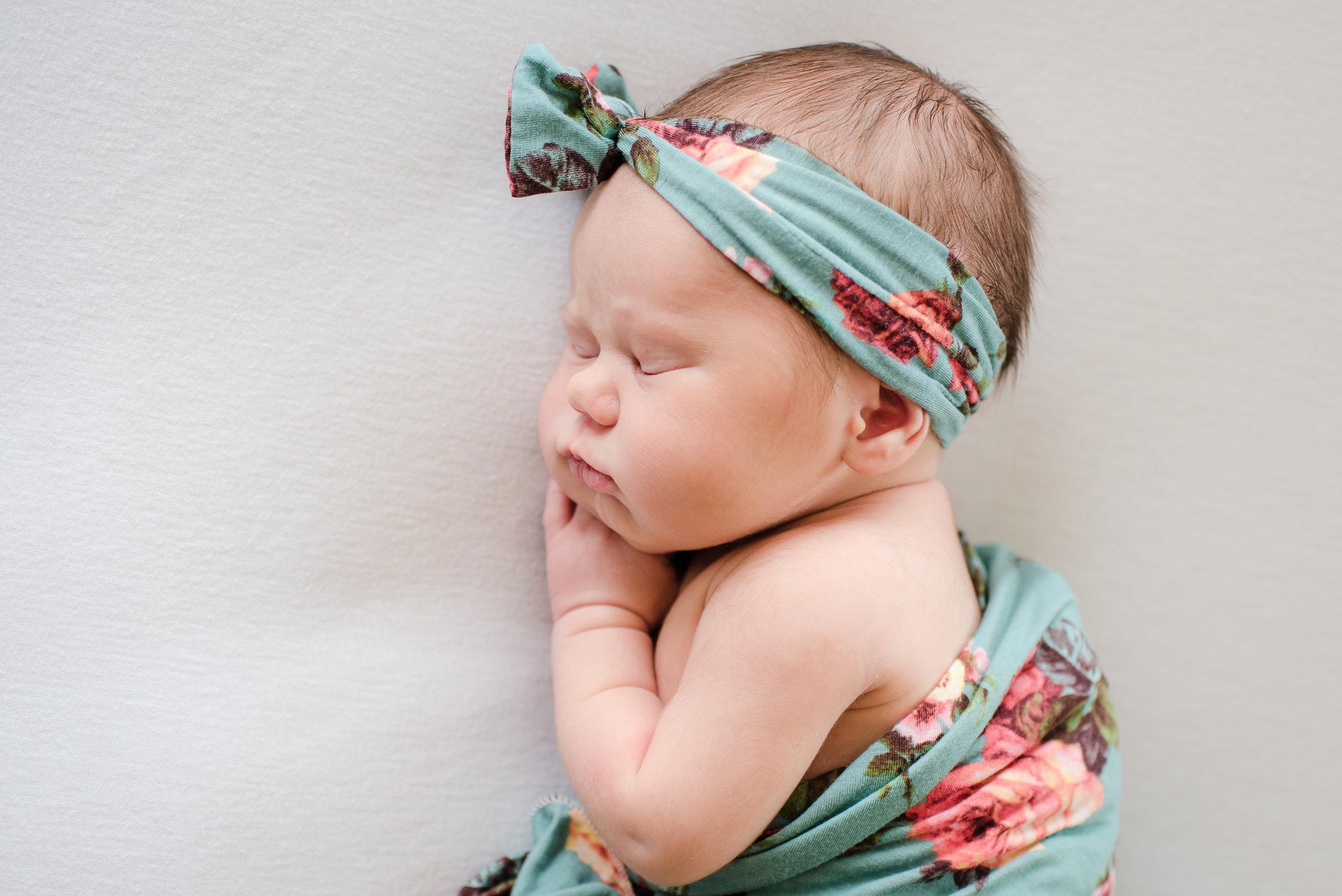Zaya C newborn -9.jpg