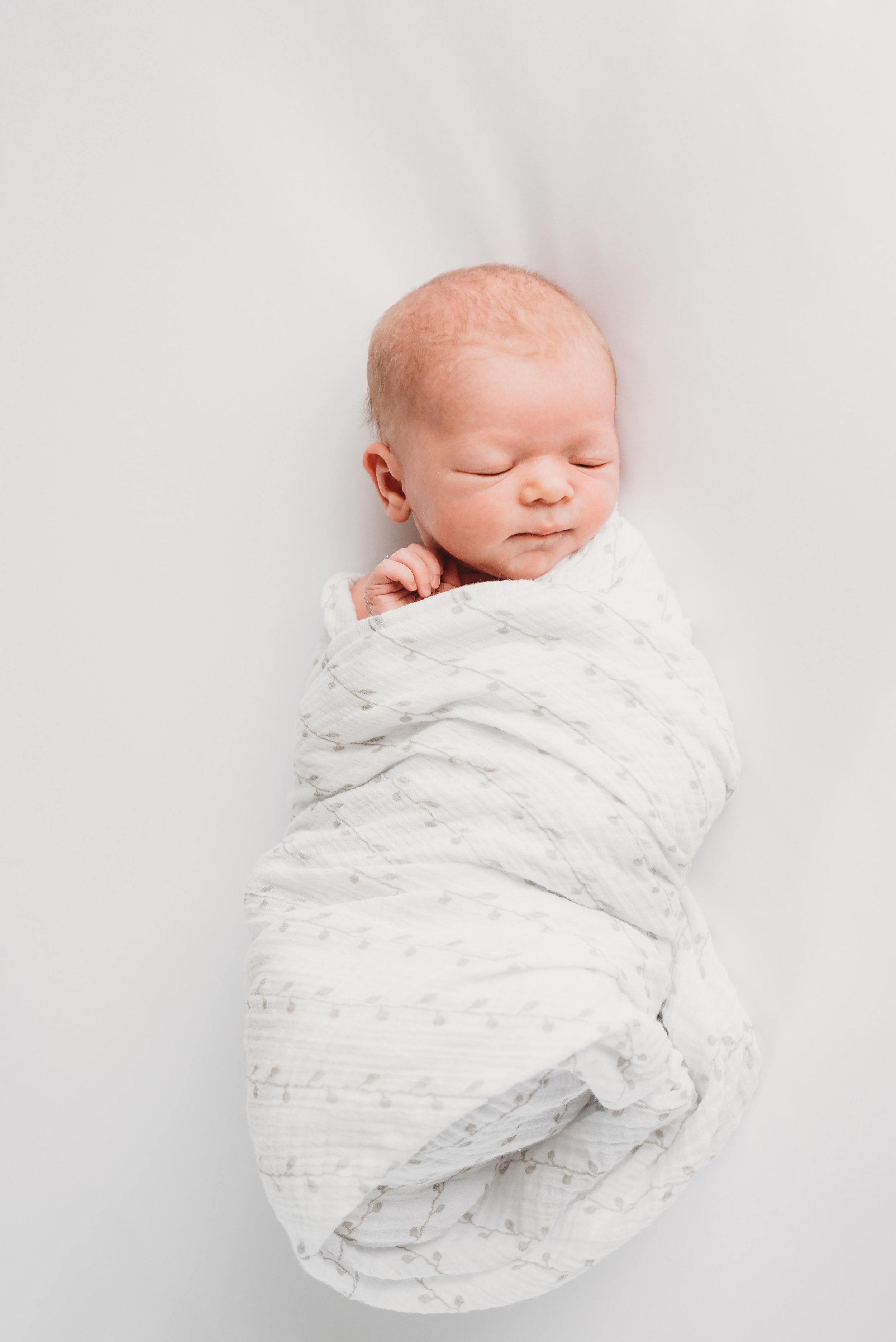 Austin natural newborn photography-1.jpg