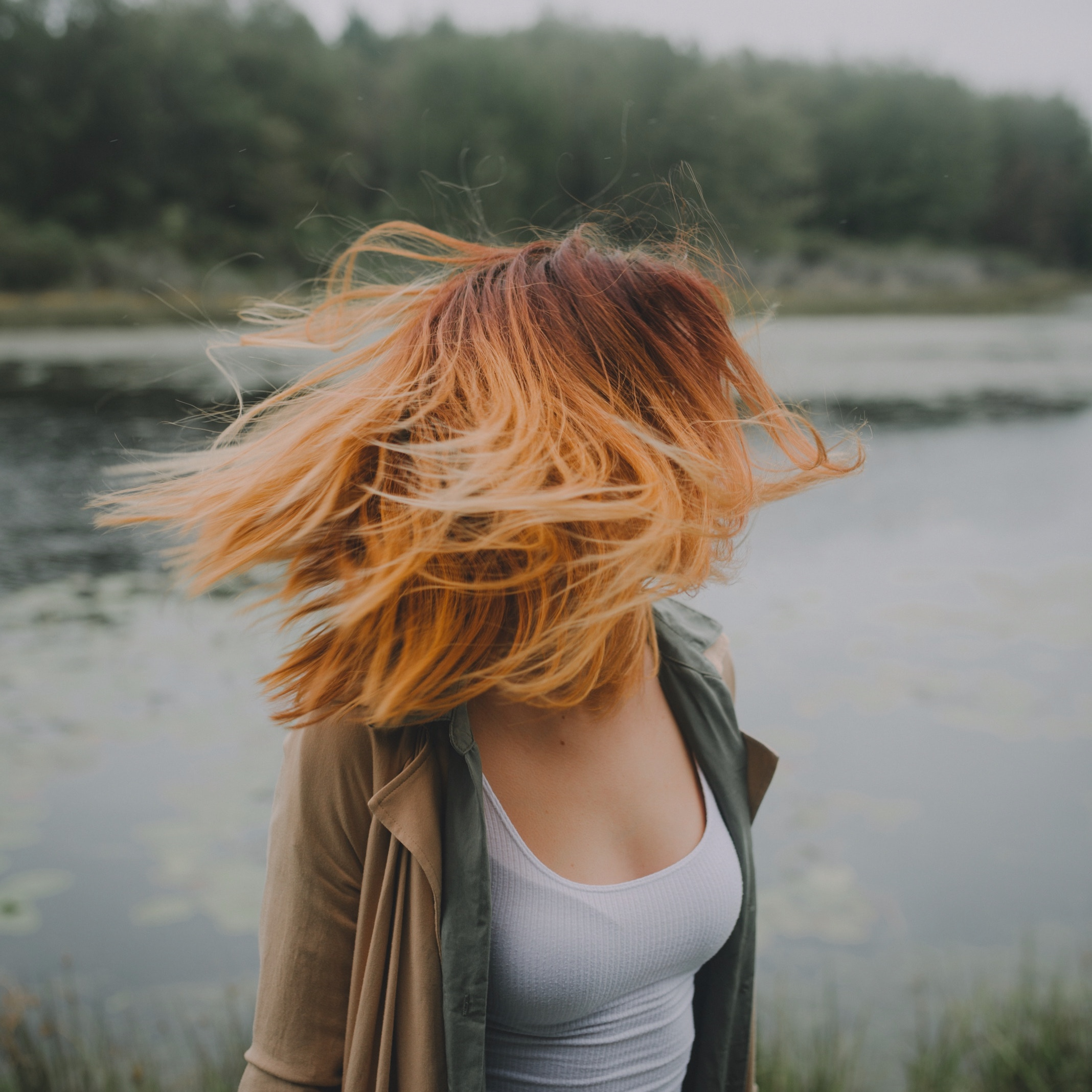 The Grunge Look - A common theme for 2019 is taking inspiration from the '90s. A time where grunge was all the rage, it isn't surprising that second and third day, messy hair is already becoming a top trend.