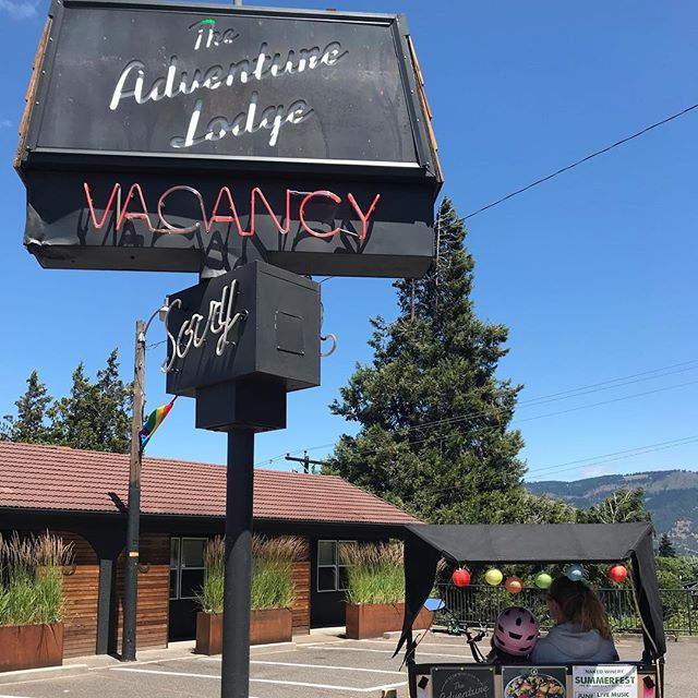Life can be full of adventure in the Columbia River Gorge.  Why not choose to post up at a spot that reflects those possibilities? The Adventure Lodge is a modern incarnation of the classic roadside motel, with extraordinary views of the river and Mt. Adams beyond. It's at the central crossroads connecting downtown to The Heights to the western commercial district. Don't miss Kickstand, Dirty Finger, and Egg River, all within steps. The lodge proprietor, Andres, reflects the spirit of our place: kind, positive, engaging, and active. I'm stoked to have formed a partnership with him! We're here to help make your visit to Hood River a memorable one. @theadventurelodge @kickstandcoffeekitchen @dirtyfingersbikes . . . . . #hoodriver #hoodriveroregon #columbiariver #columbiarivergorge #traveloregon #pedicab #pedicablife #pedicabs #pedicabdriver #hoodrivertaxi #pedicab4life #pedicabvibes #pedicabride #greenliving #ssupportlocalbusiness #gorgeowned #uberalternative #localbusiness #peditaxi #peddleassit #solarpower #visithoodriver #hoodgorge #pnwlife #pnwonderland #columbiagorgous #mthoodterritory #pnwdiscovered #pnwonderland #columbiagorgous #mthoodterritory #pnwdiscovered