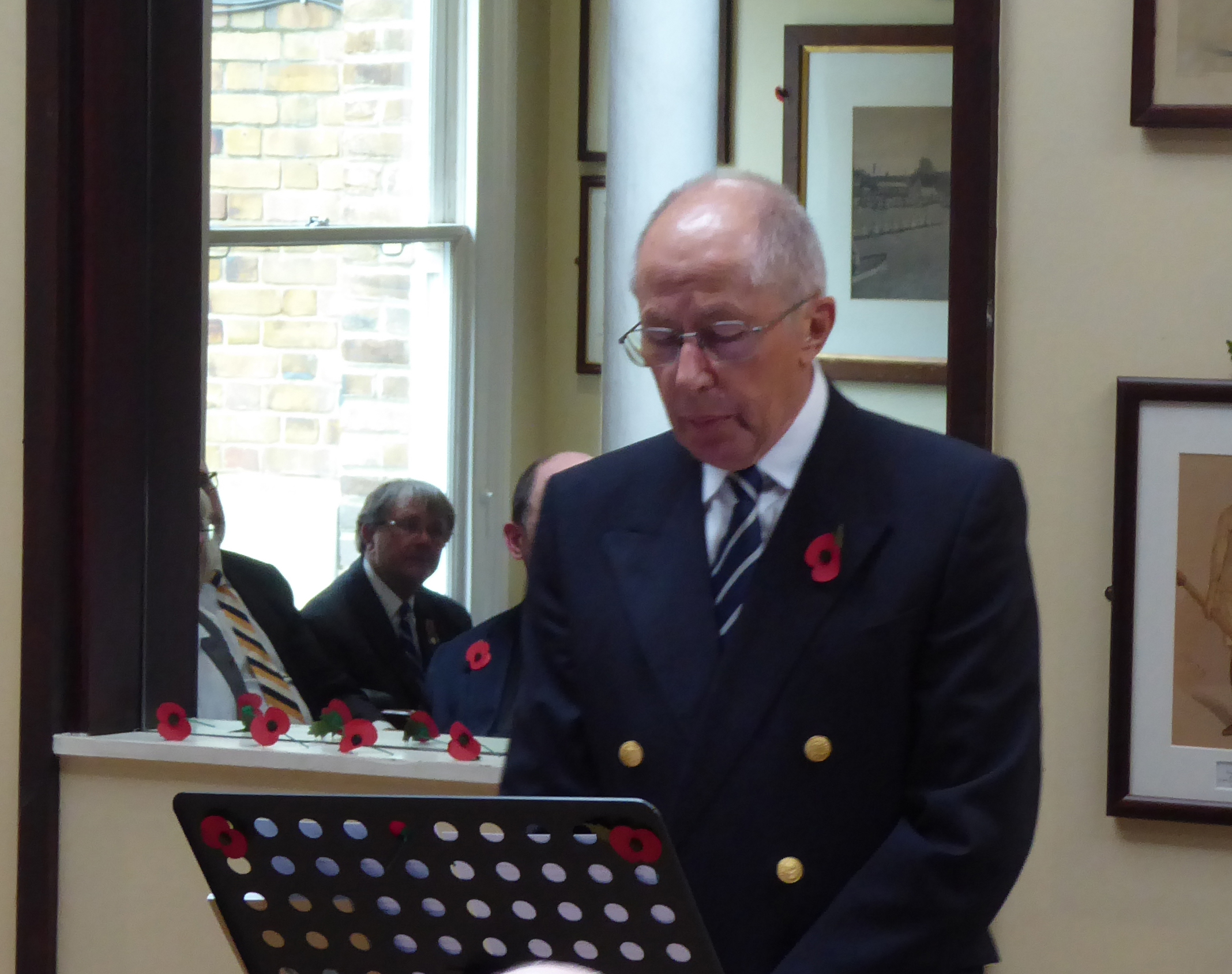 Mike Baldwin (President) delivering his address at the commemoration service.