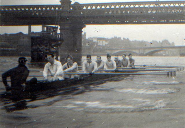 Passing under the rail bridge, Putney, heading towards Putney Bridge, Head of the River, 1948 – James Stewart Morrison in the 6 seat.