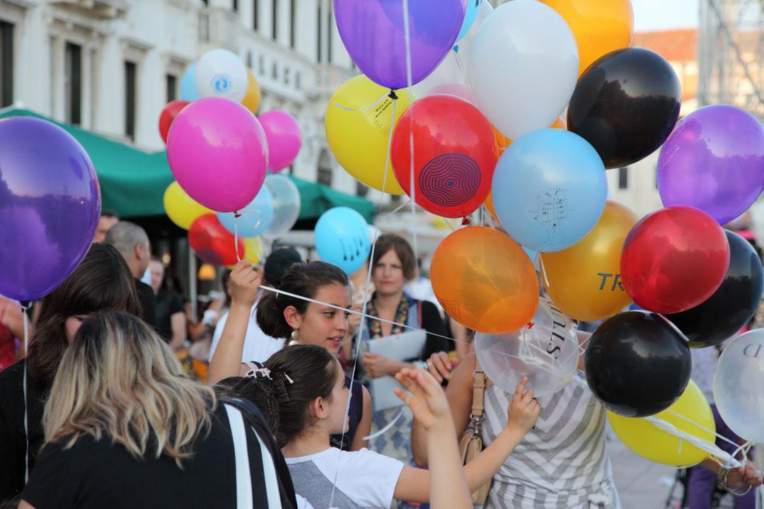 c-finley-balloons-venice-biennalle-1.jpg