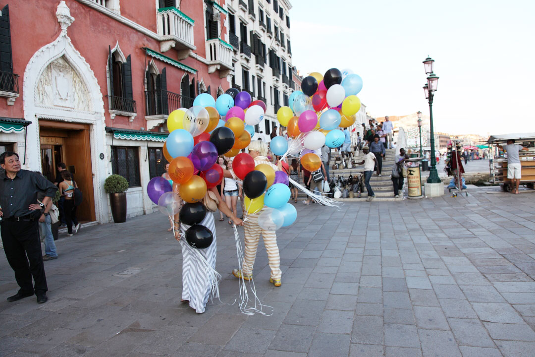 c-finley-balloons-venice-biennalle-3.jpg