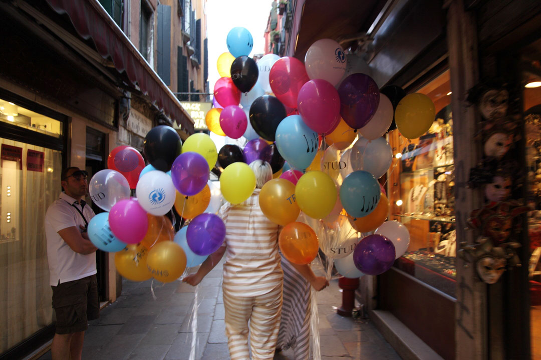 c-finley-balloons-venice-biennalle-4.jpg