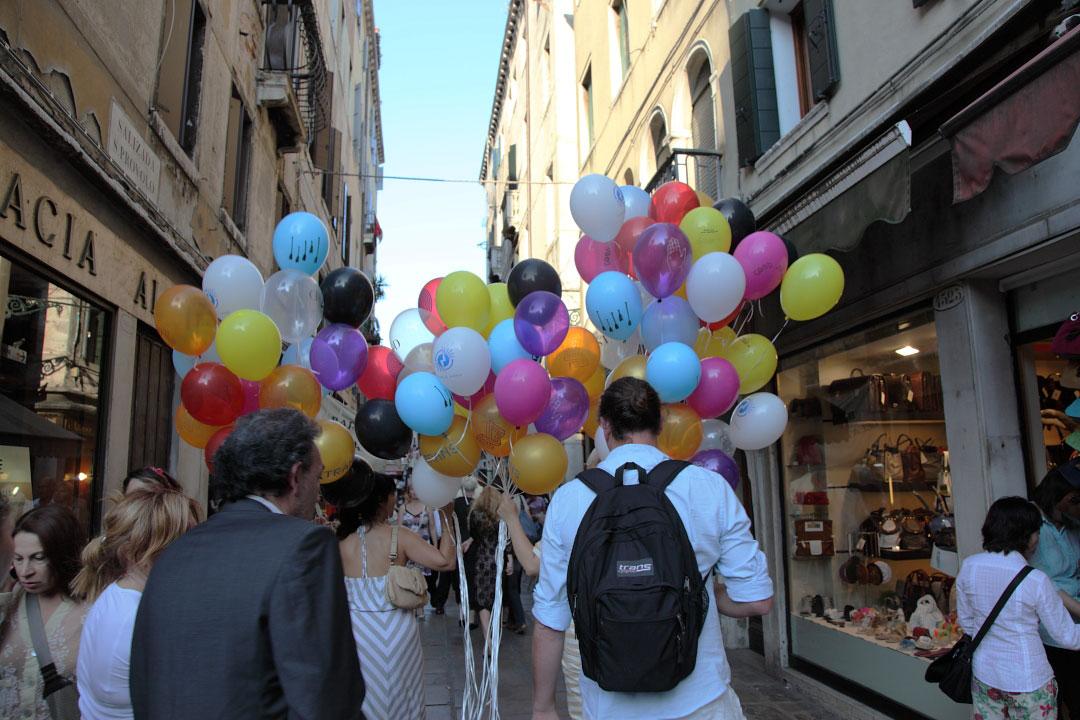 c-finley-balloons-venice-biennalle-5.jpg
