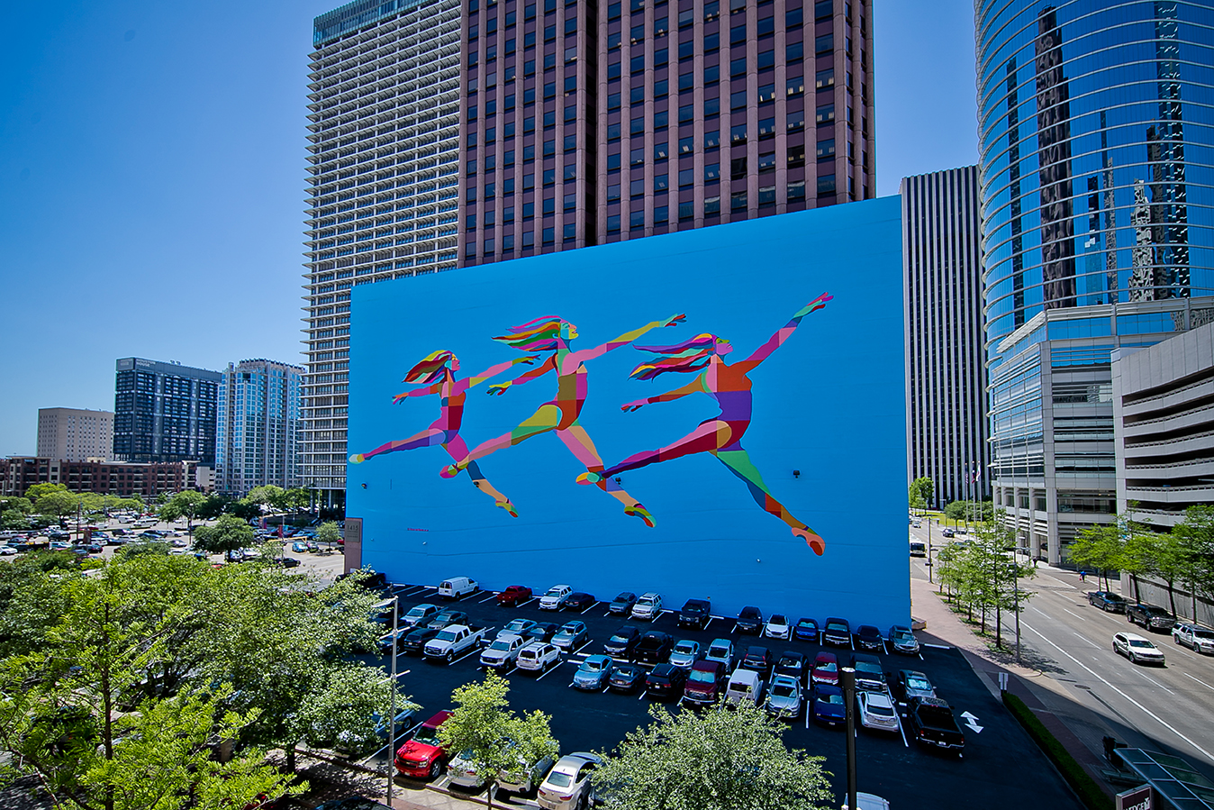 Houston SKYDANCE mural photo by morris malakoff