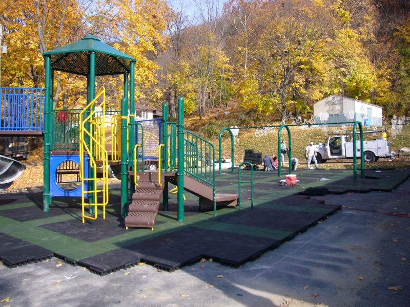 Hillside-Playground.jpg