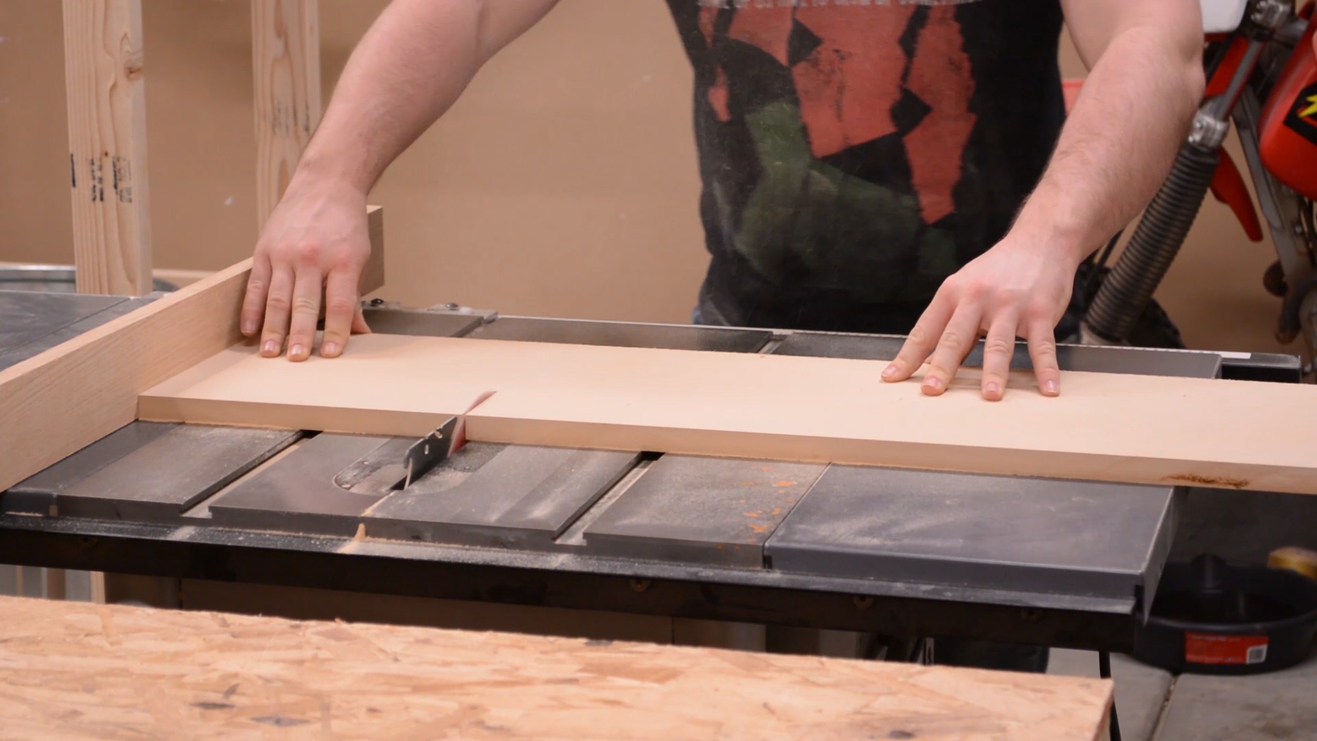 Cutting medium density fiberboard to size with my table saw