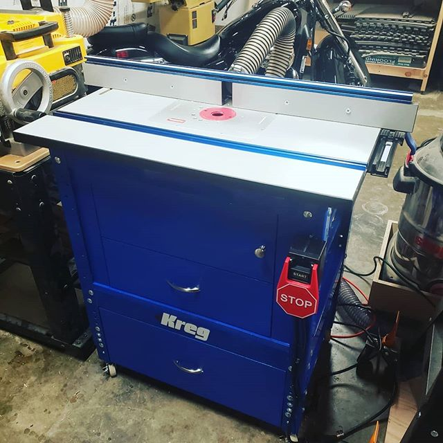 Over the last couple of weeks I've been building storage and dust collection for my @kregjig router table. I didn't build any plans ahead of time and sort of built as I went. This is what I came up with and it's not half bad. It did make me realize I dont like the hand brushed look for paint. I just wanted something to protect the MDF anyways so I'm ok with it. Swipe left for additional shots of the finished project and progress shots. #woodworker #woodworking #woodshop #woodshop #woodshoplife #woodworkerlife  #furniture #wood #woodcraft #woodshop_warrior #woodporn #woodworkforall #woodworkerofinst #garageshop #carpenter #carpentry #diy #doityourself #bestigwoodworking #woodreview #goldencoastwoodworks