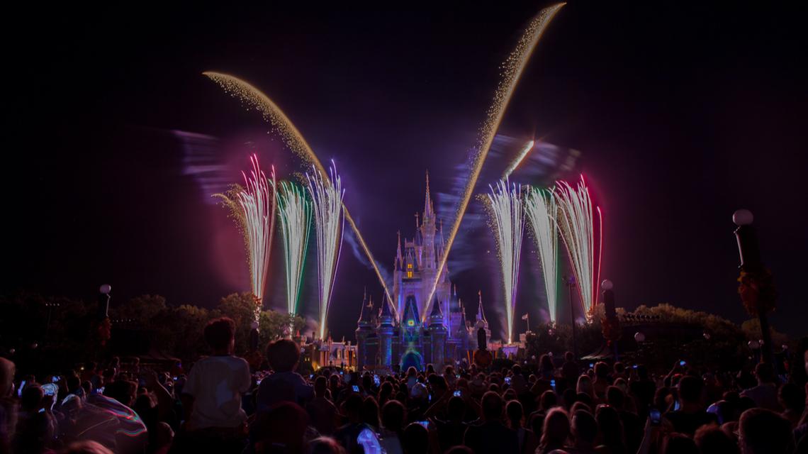 disney_magic_kingdom_fireworks.jpg