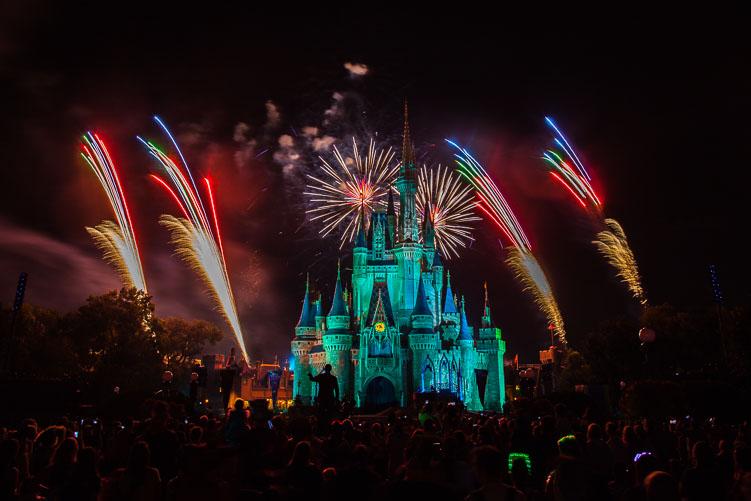disney_magic_kingdom_fireworks_2-1.jpg