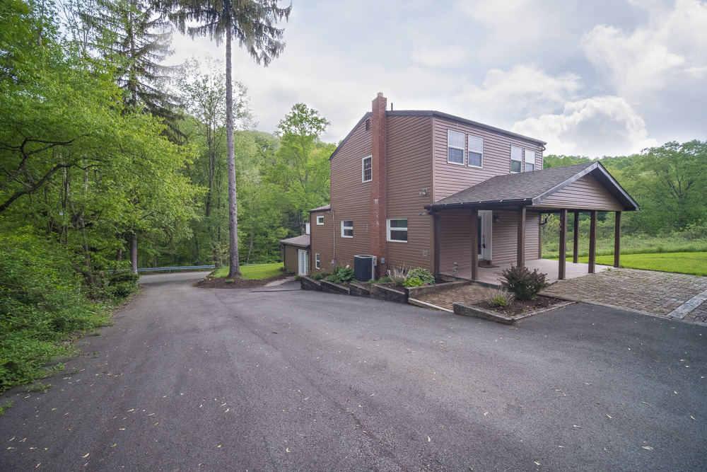 Real_Estate_Photographer_In_Jeannette_Pa_23.jpg