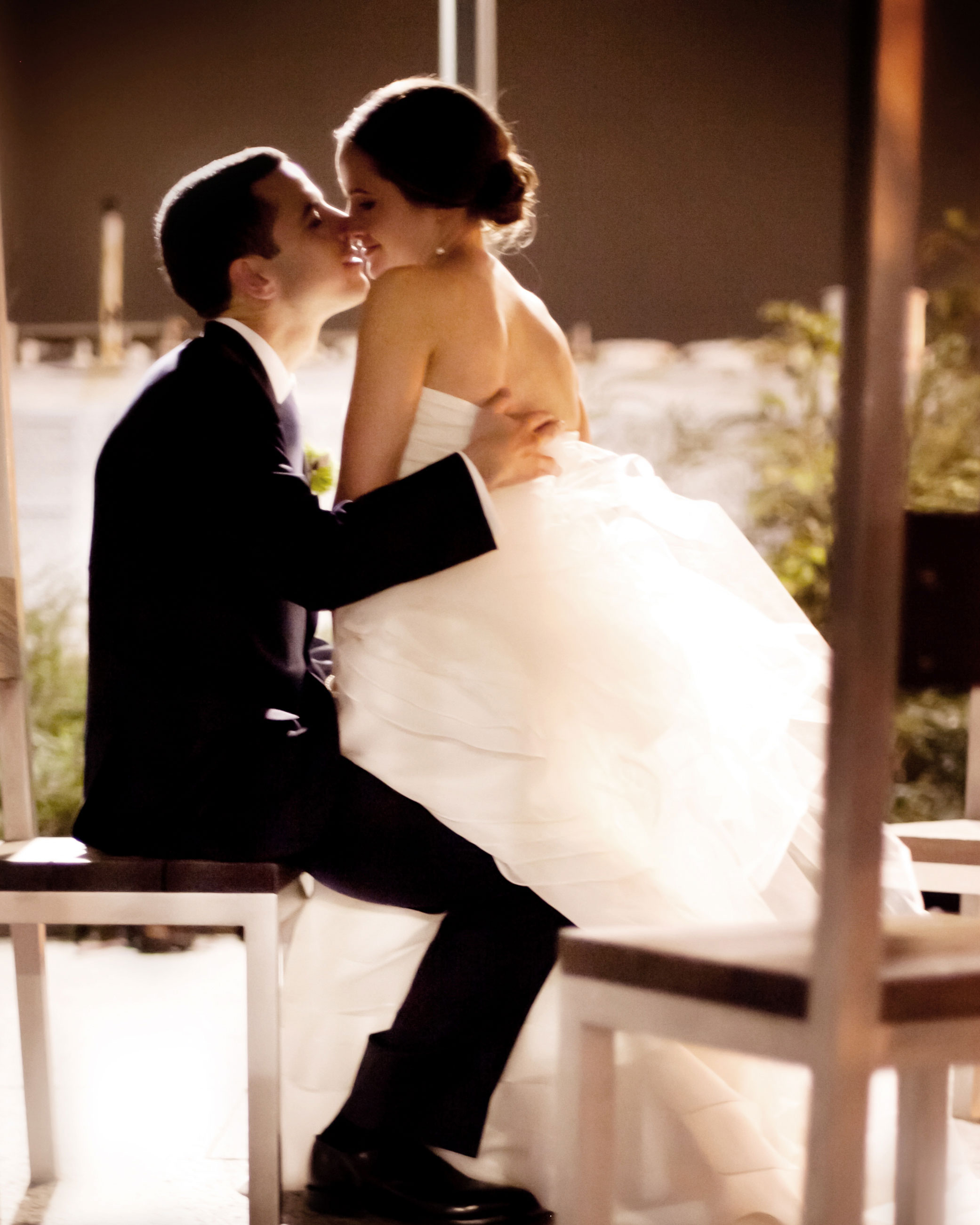 0---the-kiss-2.jpg