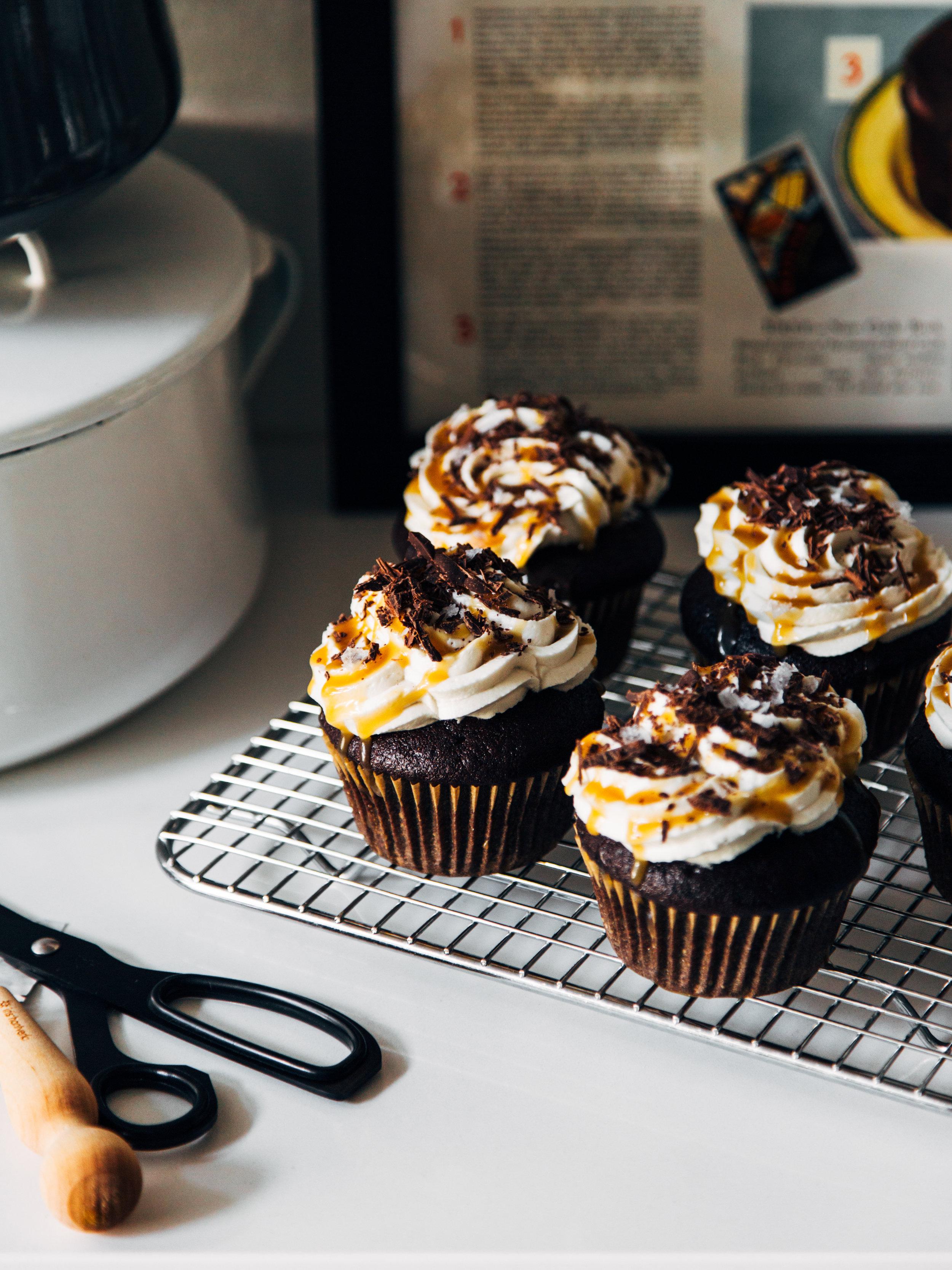 adventure cake-cupcakes