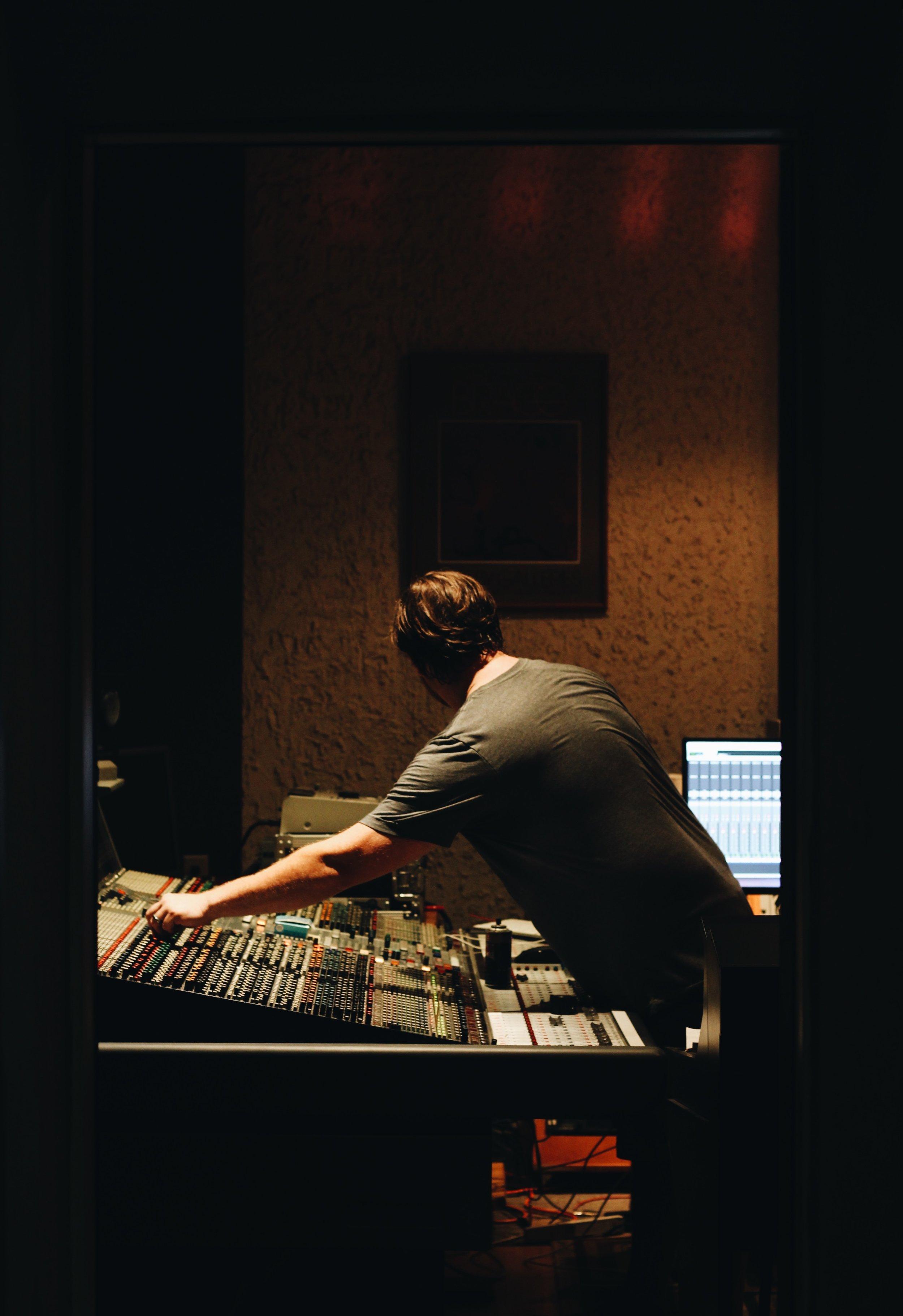 Josh_Waddell_Studio-85.jpeg
