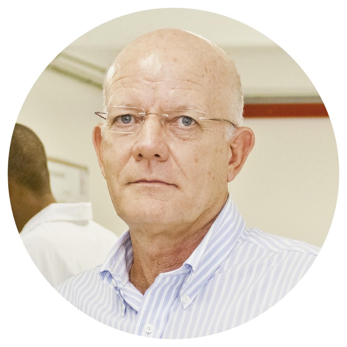 Prof. Dr. Paulo Fernando Machado - Criador do modelo Agro+Lean, é diretor da Clínica do Leite, com mais de 40 anos de experiência em gestão de fazendas.