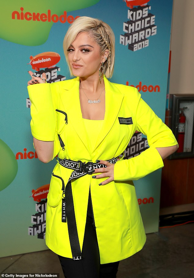 11380228-6843895-Sleek_and_chic_The_29_year_old_singer_nee_Bleta_Rexha_wrapped_he-a-1_1553423343376.jpg