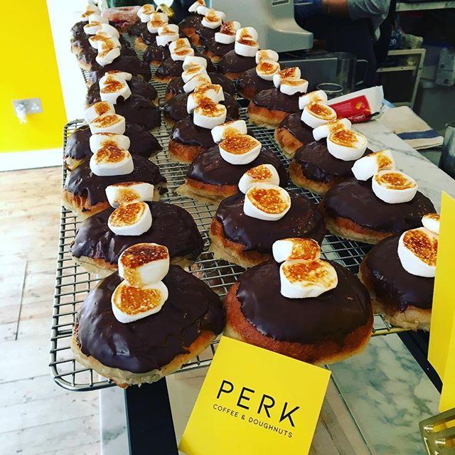 #fridaydonuts @perk_coffeeanddoughnuts 😍 #tasty #wildhighlanddrinksco #scottishhighlands #highlands #theweedramvan #happyfridayeveryone 🥂