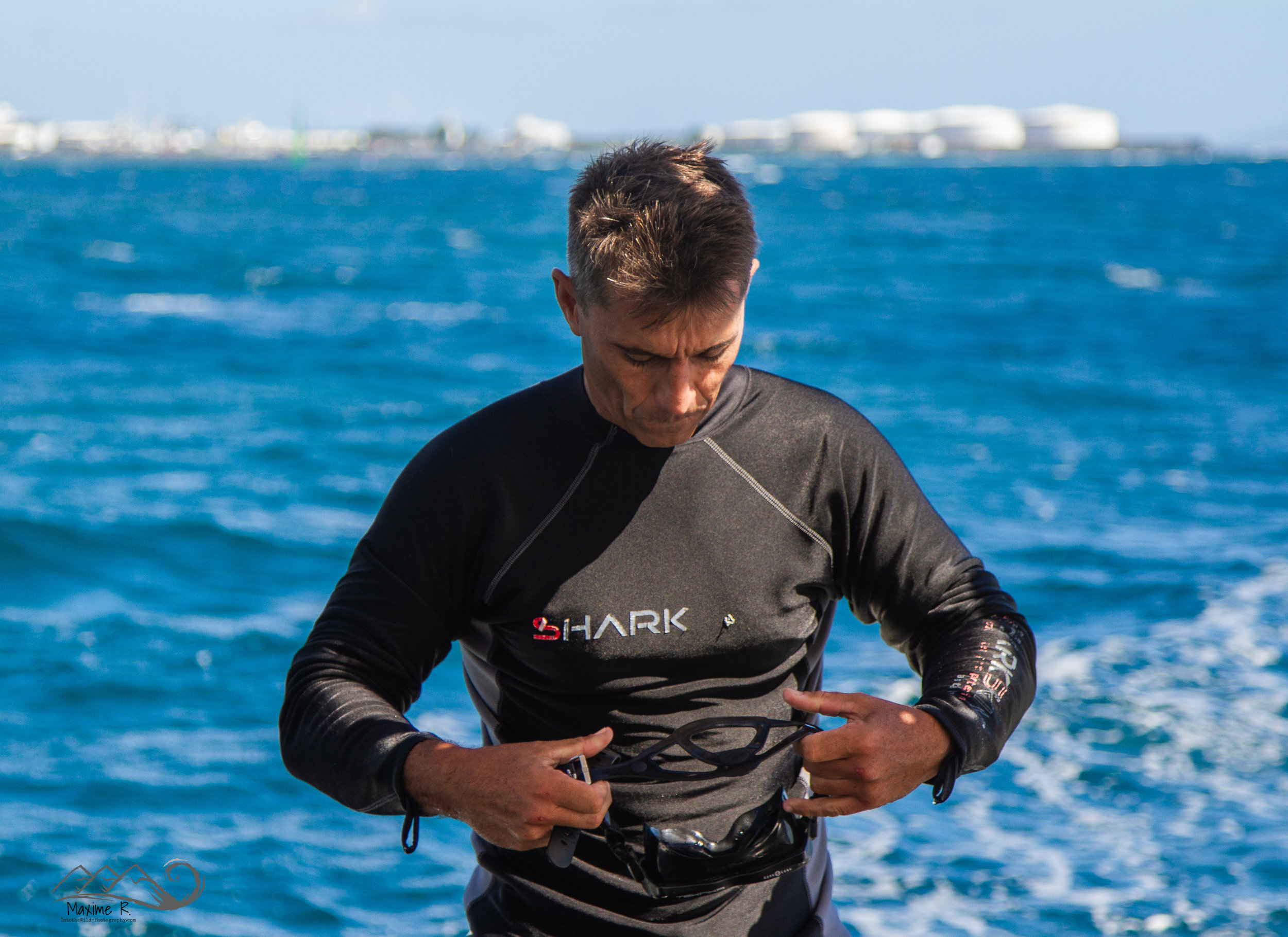 Yannick Ben Achour   CMAS 4* INSTRUCTOR, SSI INSTRUCTOR and REGIONAL INSTRUCTOR   After Guyana, his desire to teach and share brought him to Polynesia. Enjoy his experience to increase your subaquatic knowledge and enjoy his muscles to increase your anatomic knowledge !