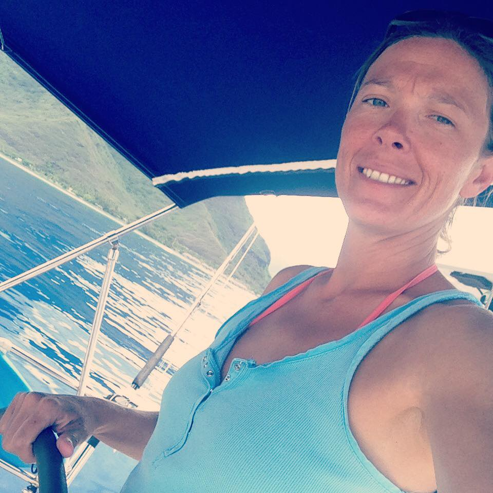 Annabelle Duval SKIPPER   Coming straight from Brittany, Annabelle live 50% of her life on the sea and 50% in the air. Elected world best instructor by her students, with her you have 100% chances to have your boat licence !