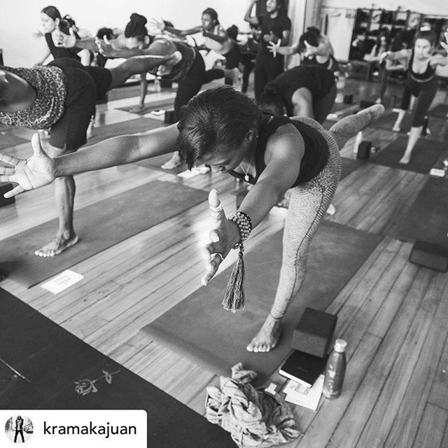 Funny how surrender to shaky footing helps us spread our wings...especially as community. This sweet 📷 by the wonderful @savannahlaurenphoto is from the @kramakajuan X @setucommunity class a few months ago. I just saw it for the first time and all the feels from that afternoon came flooding back. I teach a more authentic class because of it. My flows are sweet and slow. If you know, you know. I have several offerings in Harlem this month to get grounded, and take flight. Meet me on the mat:  Blissflow @shaktibarre  Saturdays @ 11.15 AM Wednesday 8/7 & 8/14  @ 7.30 PM Sundays @5.15 PM —— Candlelight flow @harlemyoga Wednesday 8/14 & 8/21 @ 8.45