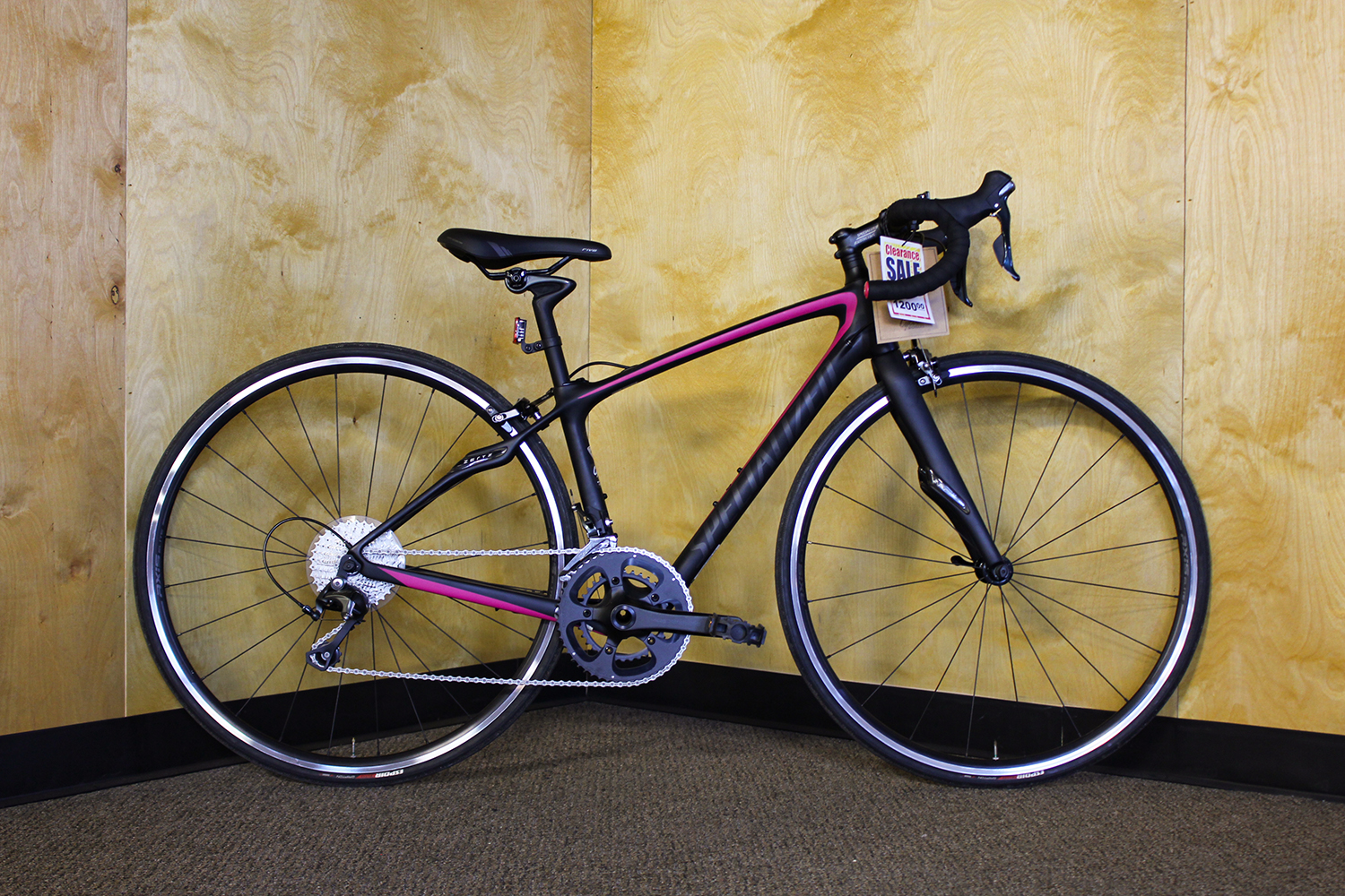 17 Specialized Ruby SL4 44cm - MSRP $1700Sale Price $1200- Full carbon FACT 9r frame- Shimano Tiagra 2x10 drivetrain- Endurance Road geometry