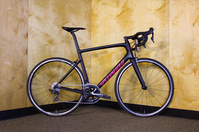 2018 Specialized Tarmac SL6 58cm - MSRP $4000Sale Price $3300- Full carbon FACT 10r frame- Shimano Ultegra 2x11 drivetrain- Roval SLX24 wheels