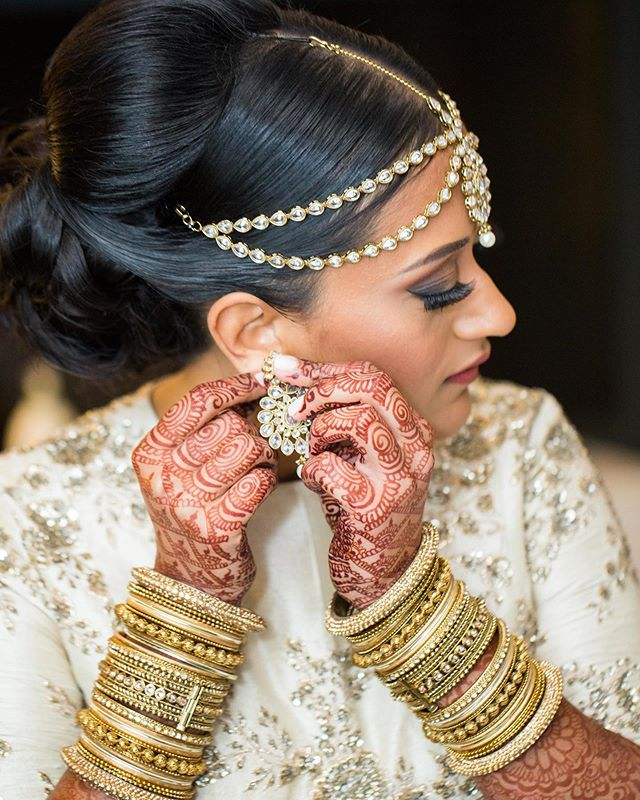 Hair done, nails done, everything did 💁🏽‍♀️💅🏽#throwbackthursday to our beautiful bride ready to slay her big day • • • PC: @sachianandphotography