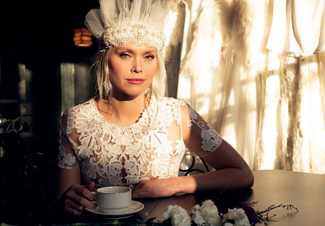 Like a queen✨ Beautiful bridal headband and dress from @tshtinasteffenakkhermansen @tshbridal . . . . . . Model @ingvilmoe Creation @tshtinasteffenakkhermansen Hair & makeup @eirikthorsen @idaskipsfjord @adamogevagrensen Styling @adelinehermier Location @pigallecocktailbar Photo @hermierphotography @nathaliehermier @mauriciosubirana