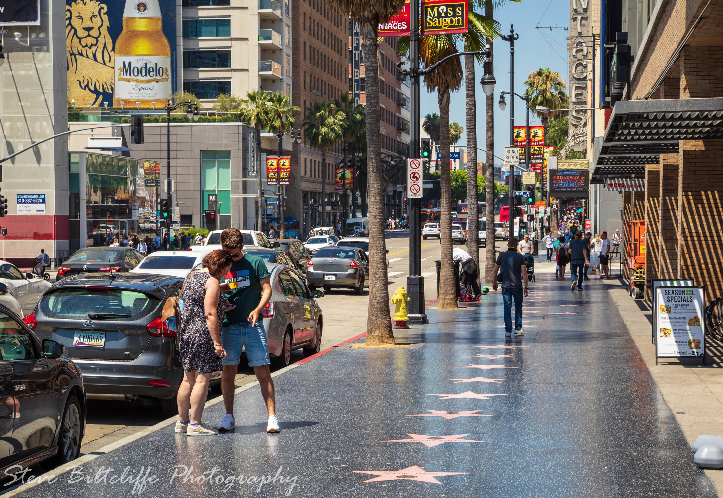 Star spotting on the Hollywood walk of fame