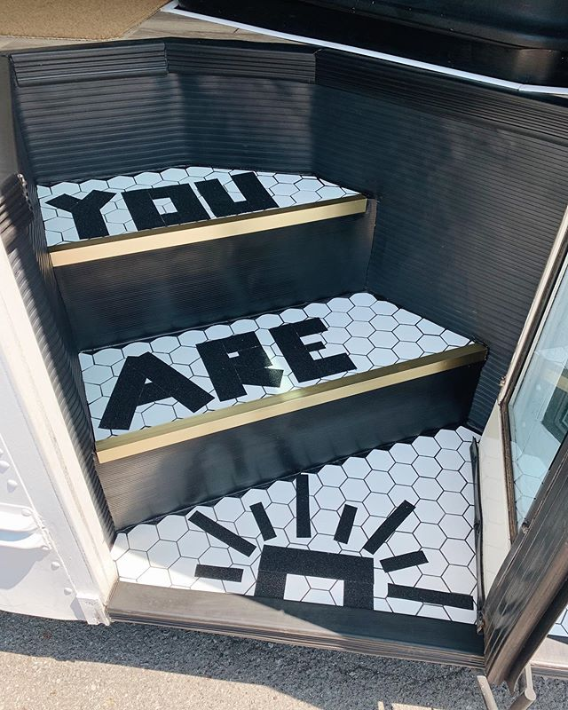 YOU ARE ☀️.. ⠀⠀⠀⠀⠀⠀⠀⠀⠀⠀⠀⠀ swipe to see the before, because these babies deserved one! 🙈 shoutout to momma m. for taking over bondo duty for me & teaching me how to cut tiles + lay grout. these steps are now one of my favourite parts of #billiethebluebird! 💕