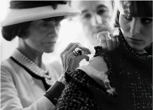 Our Monday muse is the incomparable Coco Chanel, on what would have been her 136th birthday🎈#foreverinspiring #BEdissimilis🖤 . . . . . . . . . . .  #mondaymotivation #cocochanel #nyfw #fashionweek #fashiondesigner #madeinnyc #newyorkfashion #instafashion #fashionista #stylish #instastyle #fashioninspo #individuality #bergdorfs #fashioneditorial #editorial #style #fashion #stylediaries #instastyle #fashionaddict #voguemagazine #fashiondiaries #styleblogger #fashiongram #wwd #streetchic #fashionlookbook
