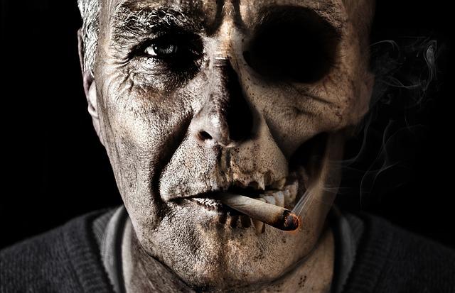 smoking-1418483_640.jpg
