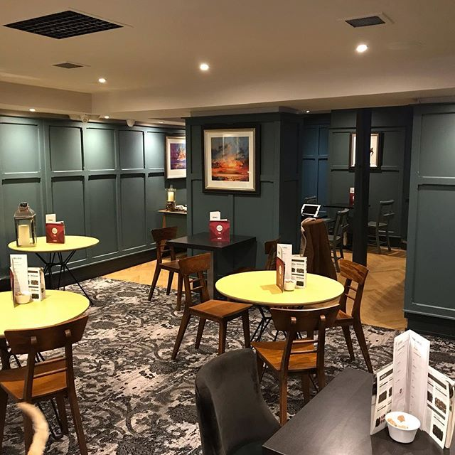 I was back in Glasgow today for phase 2 of the gin bar remodel and got a chance to see last months bar renovation open and ready for business. Nice to see it complete and the bar fully stocked!  #barrenovation #woodpanneling #inchyrablue #farrowandball #Glasgow #gin #tea #urbanstyle #availableforwork